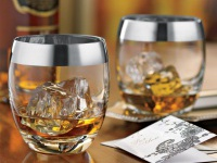tury-v-angliu-whiskey-glasses.jpg