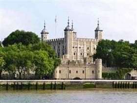 Замок петворт в сассексе